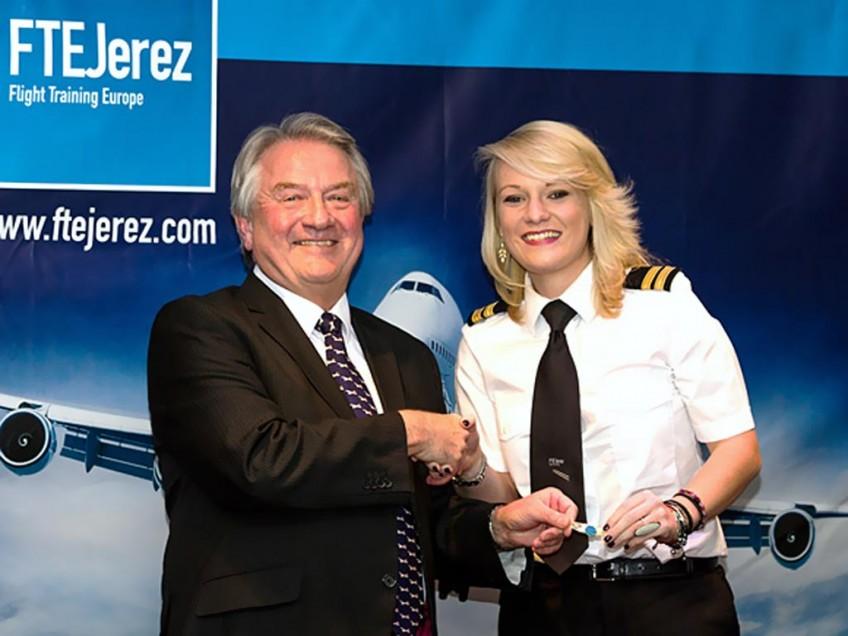 Ex British Airways Concorde Chief Pilot's daughter graduates from FTEJerez