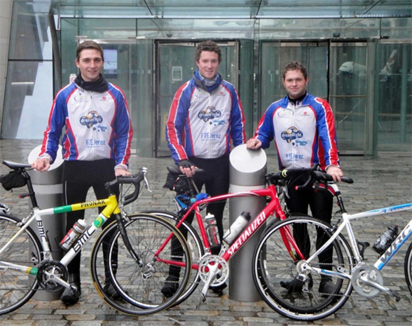 FTEJerez / BA FPP Graduates cycle from Jerez to London!