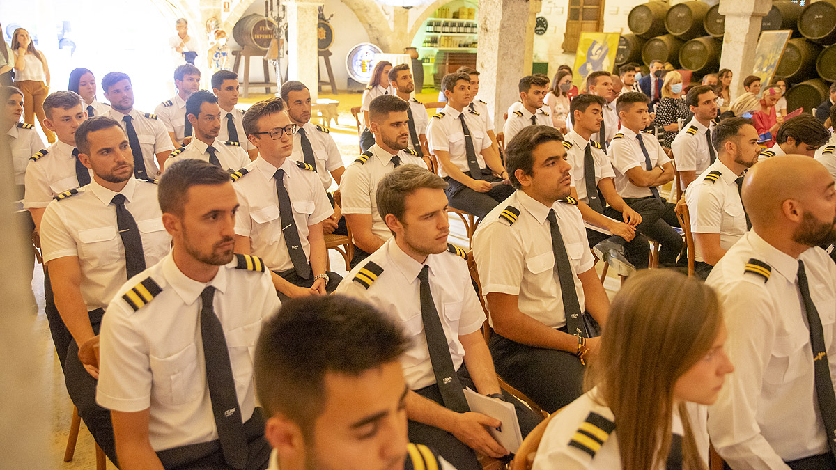 Graduation of courses 206 and 207